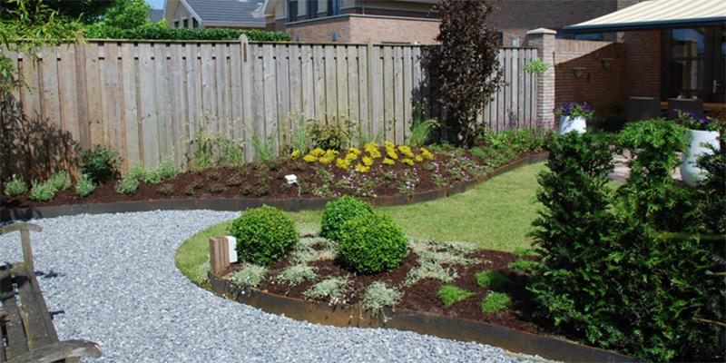 Voorbeeld kleine achtertuin trendy kleine tuinen for Kleine tuin ontwerpen voorbeelden